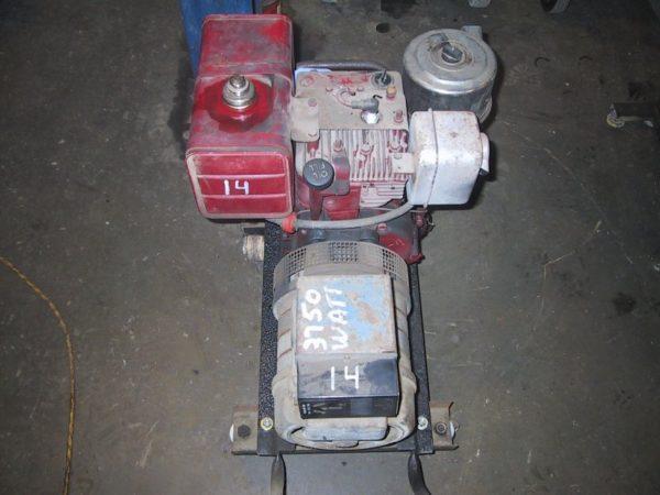 #01 – Briggs Generator