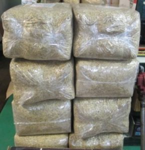 Mighty Fine Straw - Pure wheat straw with tack. 99% weed free. 2.65 cu. ft. bag. Can cover up to 500 sq. ft.