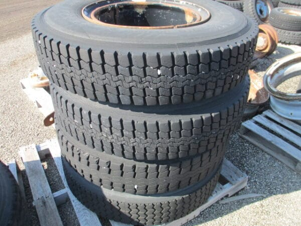#07 – Tires