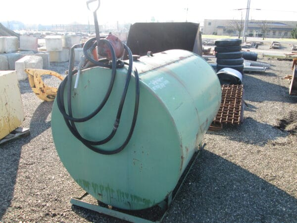 #11 – Fuel Tank with hand pump